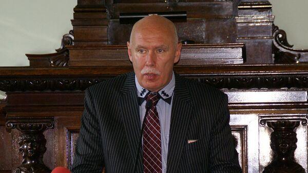Петерис Апинис, экс-руководитель Латвийского общества врачей, главный редактор журнала Латвийский врач - Sputnik Латвия