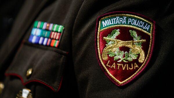 Нашивка Военной полиции на парадной форме - Sputnik Латвия