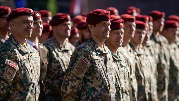 Военнослужащие Военной полиции - Sputnik Латвия