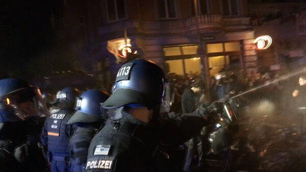 Ar trešo nekārtību nakti Hamburgā noslēdzās G20 samits - Sputnik Latvija