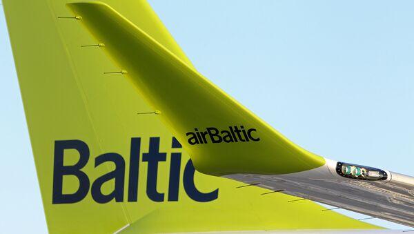 Самолет Air Baltic Bombardier CS300 аэропорту Рига - Sputnik Латвия