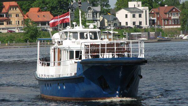 Рейдово-портовое пассажирское судно Горизонт - Sputnik Латвия