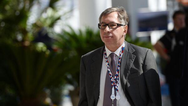 Член совета директоров Альфа-банка Петр Авен - Sputnik Латвия