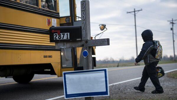 Школьный автобус в США - Sputnik Latvija