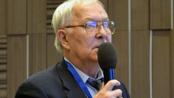 Член Совета Центра экологической политики России Меньшиков Валерий Федорович - Sputnik Латвия