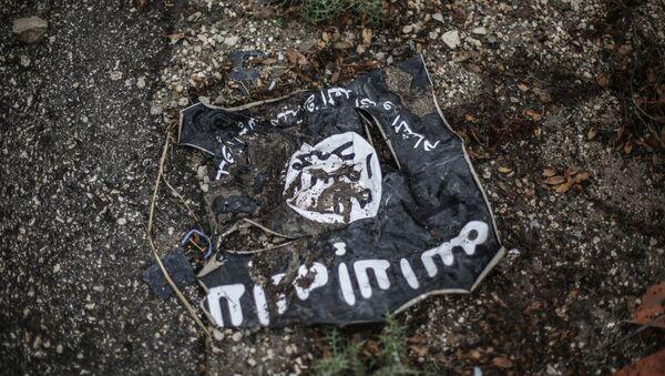 Флаг террористической организации ИГ. Архивное фото - Sputnik Латвия