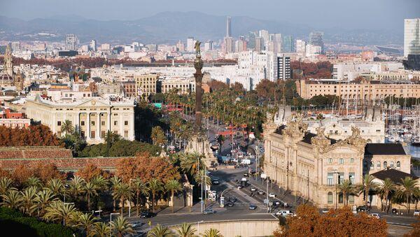 Центр города и памятник Христофору Колумбу в Барселоне - Sputnik Latvija