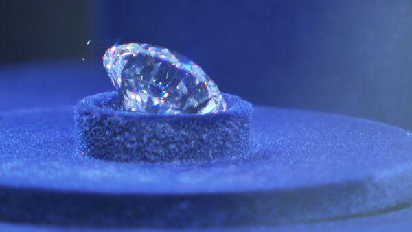 Самый чистый и дорогой бриллиант в истории ювелирного дела в России - Sputnik Латвия