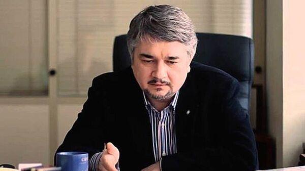 Президент Центра системного анализа и прогнозирования    Ростислав Ищенко - Sputnik Латвия
