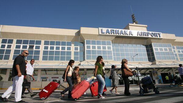 Аэропорт Ларнаки на Кипре - Sputnik Latvija