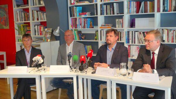 INBOKSS valdes loceklis,  INBOKSS īpašnieks Andris Griķis, TVNET Latvia valdes loceklis Juris Mendziņš, advokāts Jānis Zelmenis - Sputnik Latvija