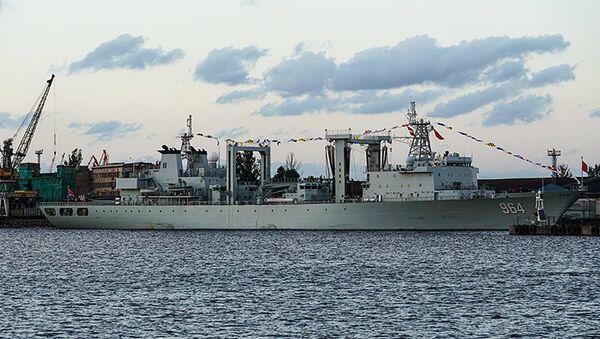 Ķīnas JKF sagādes kuģis Lomahu Rīgas ostā - Sputnik Latvija