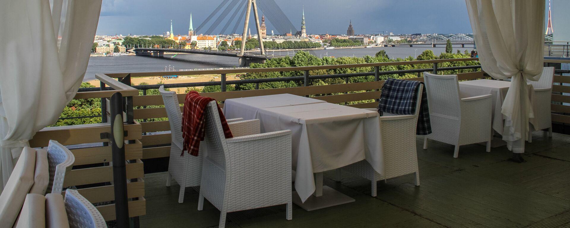 Летняя терраса Veranda на 10-м этаже Islande - Sputnik Латвия, 1920, 06.07.2021