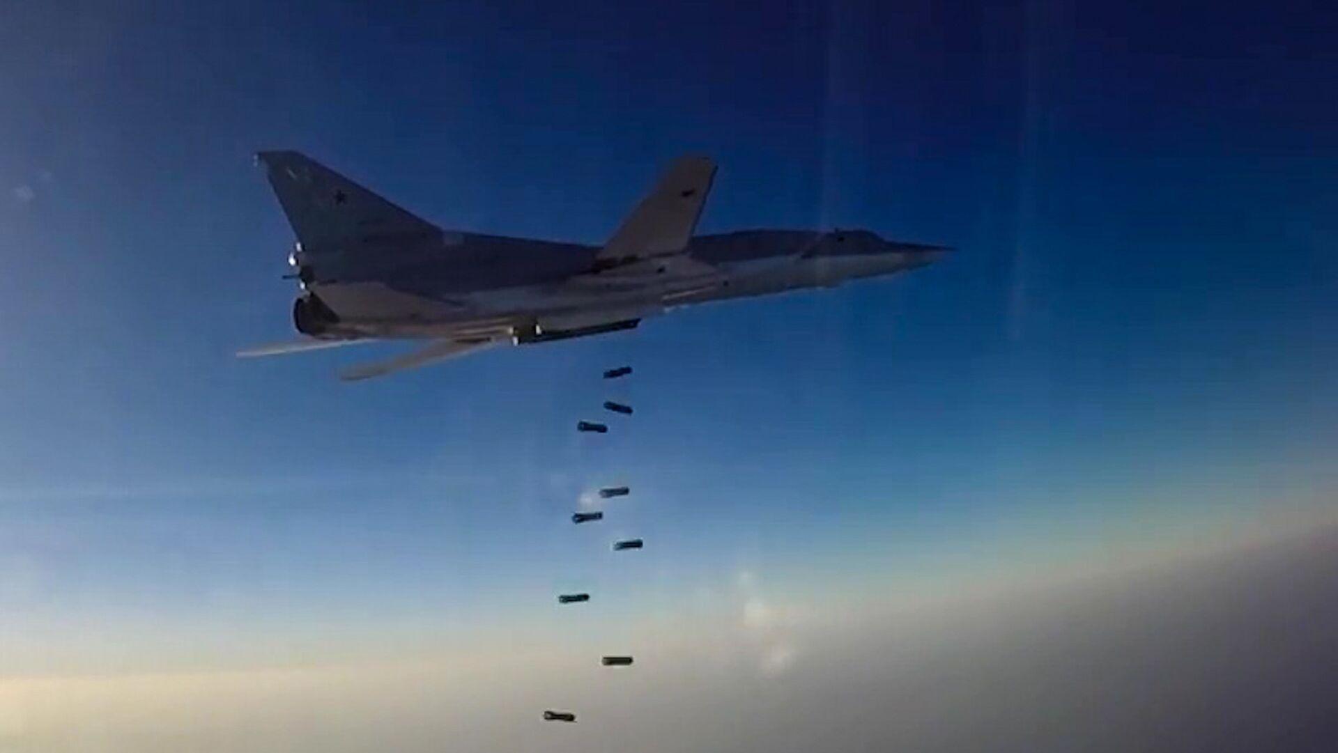 Нанесение авиаудара самолетами ТУ-22М3 по объектам террористов в Сирии - Sputnik Latvija, 1920, 08.02.2021