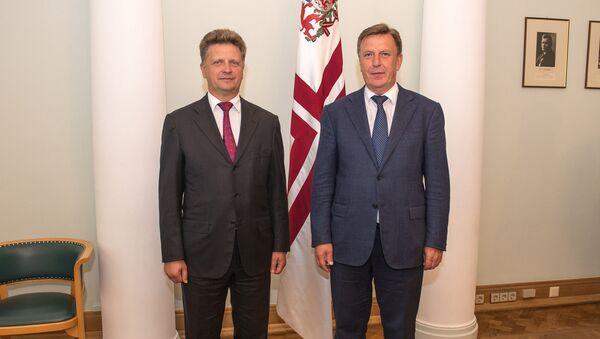 Встреча премьер-министра Латвии Мариса Кучинскиса с министром транспорта Российской Федерации Максимом Соколовым - Sputnik Латвия