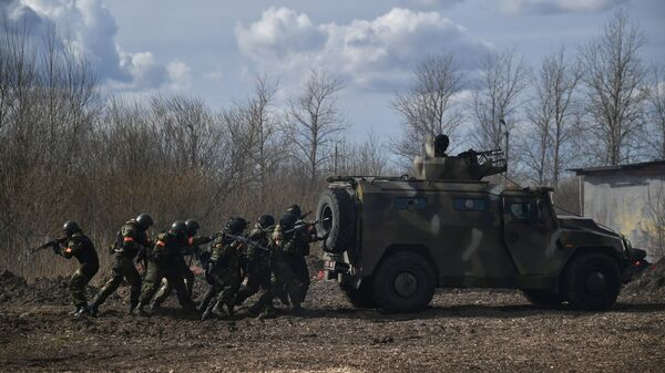 Baltkrievijas un Krievijas karavīri mācībās - Sputnik Latvija