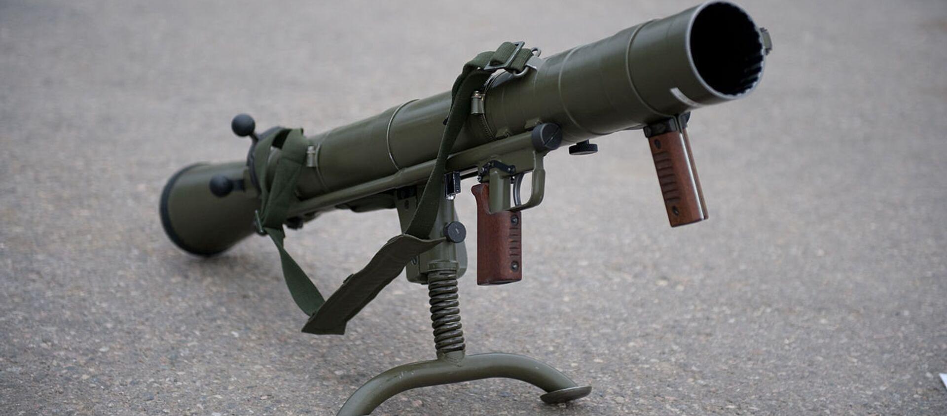 Шведский ручной противотанковый гранатомет Carl Gustaf AB - Sputnik Latvija, 1920, 28.05.2020
