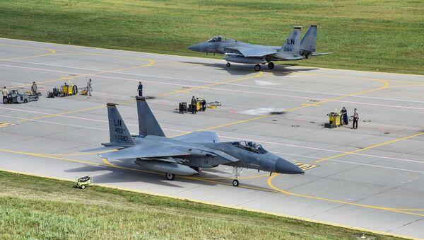 ASV Gaisa kara spēku iznīcinātāji F-15 - Sputnik Latvija