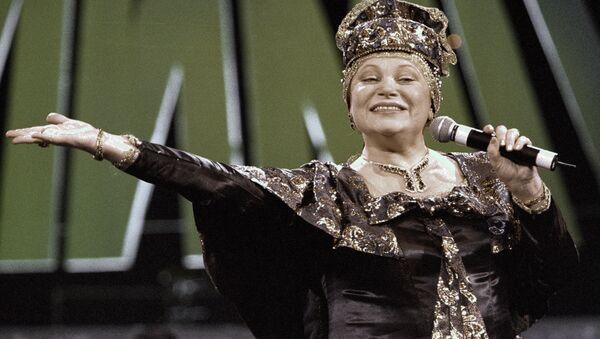 Исполнительница русских народных песен Людмила Рюмина, архивное фото - Sputnik Латвия