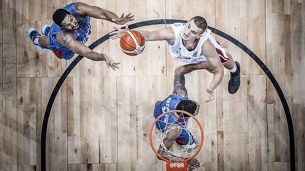 Сборная Латвии играет со сборной Великобритании на евробаскете 2017 - Sputnik Латвия