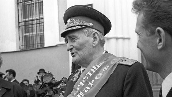Командир 201-й латышской стрелковой дивизии в годы Великой Отечественной войны Ян Янович Вейкин - Sputnik Латвия