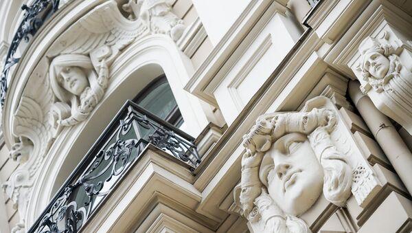 Фасад дома архитектора Михаила Эйзенштейна - Sputnik Латвия