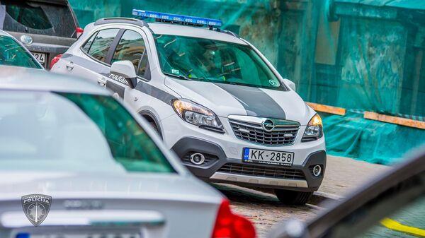 Полицейский автомобиль - Sputnik Latvija
