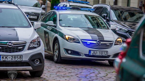 Полицейский автомобиль - Sputnik Латвия