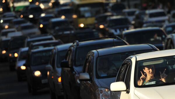 Автомобильная пробка на дороге - Sputnik Латвия