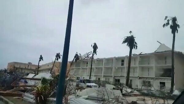 Viesuļvētra Irma, kas atzīta par spēcīgāko Atlantijas okeānā pēdējo desmit gadu laikā, plosījās Karību jūrā. - Sputnik Latvija