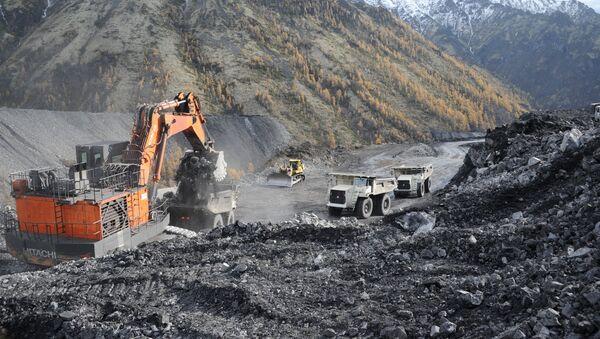Добыча угля на Апсатском угольном месторождении в Забайкальском крае - Sputnik Latvija