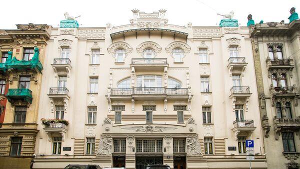 Дом архитектора Михаила Эйзенштейна по адресу ул. Альберта 4 - Sputnik Латвия