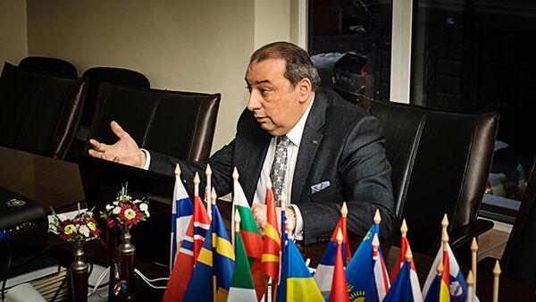 Лидер Латвийского общества цыган, глава международного союза ромов (IRU)  Нормундс Рудевич - Sputnik Латвия