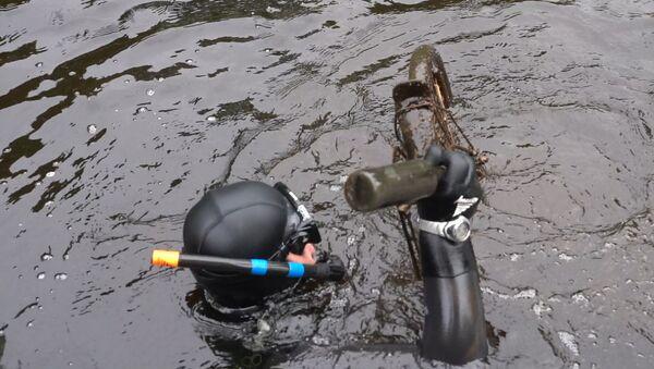 Большая уборка: активисты почистили Рижский канал - Sputnik Латвия