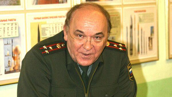 Российский эксперт, военный обозреватель, полковник в отставке Виктор Баранец - Sputnik Латвия