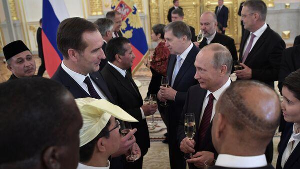 Президент РФ В. Путин принял верительные грамоты у 20 послов иностранных государств - Sputnik Латвия