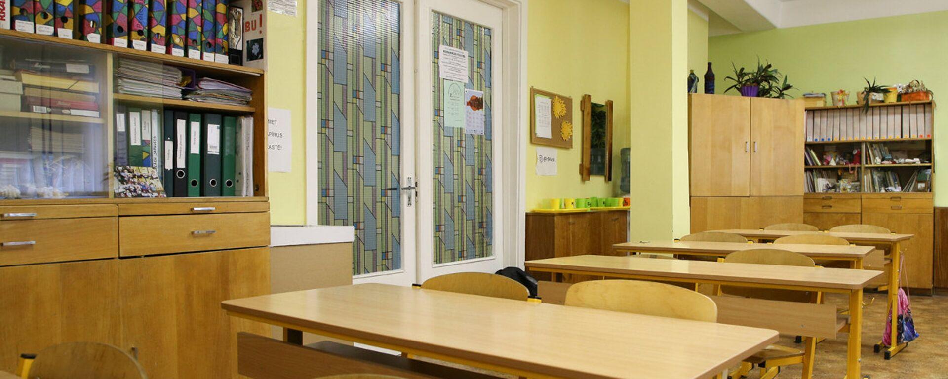 В школьном кабинете - Sputnik Латвия, 1920, 14.09.2021