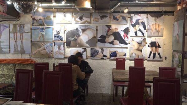Ak šie brīnumainie japāņi: Tokijā atvērusies kafejnīca, kura veltīta sieviešu kājām - Sputnik Latvija
