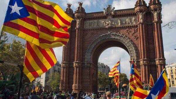 Ситуация у парламента Каталонии в Барселоне - Sputnik Latvija