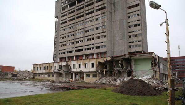 Снос здания завода Радиотехника в Риге - Sputnik Латвия