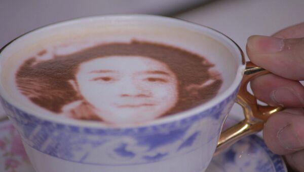 Кафе, где посетителям делают кофе с их селфи на молочной пенке - Sputnik Латвия