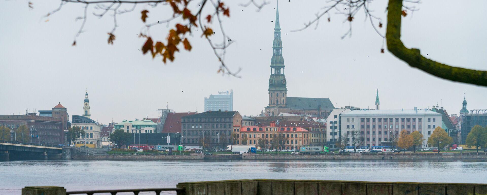 Золотая осень на рижских улицах - Sputnik Латвия, 1920, 19.09.2021