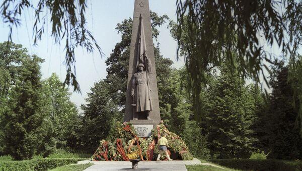 Памятник воинам-освободителям - Sputnik Латвия
