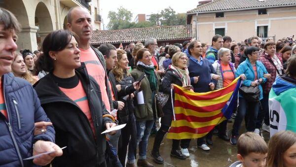 Баски выстроились живой цепью в поддержку референдума в Каталонии - Sputnik Латвия