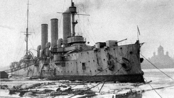 Крейсер Аврора в 1917 году - Sputnik Латвия