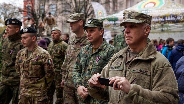 Иностранные военные в Риге - Sputnik Latvija