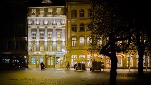 Площадь Ливов в Старой Риге теперь украшает еще один аутентичный фасад - Sputnik Латвия