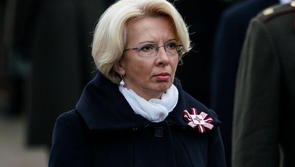 Инара Мурниеце на торжественной церемонии в день Лачплесиса на Братском кладбище - Sputnik Латвия