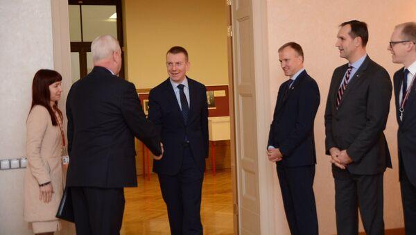 Встреча главы МИД Латвии Эдгарса Ринкевичса с первым заместителем министра иностранных дел России Владимиром Титовым в Риге - Sputnik Латвия