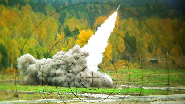 Реактивная система залпового огня Смерч. - Sputnik Латвия